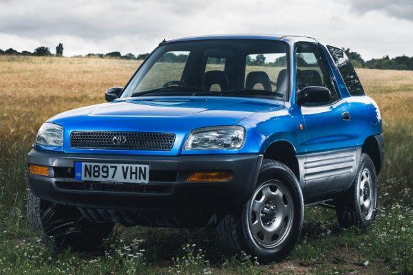Päť generácií najobľúbenejšieho SUV na svete